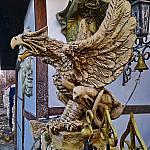 Скульптура грифона, оформление входной группы